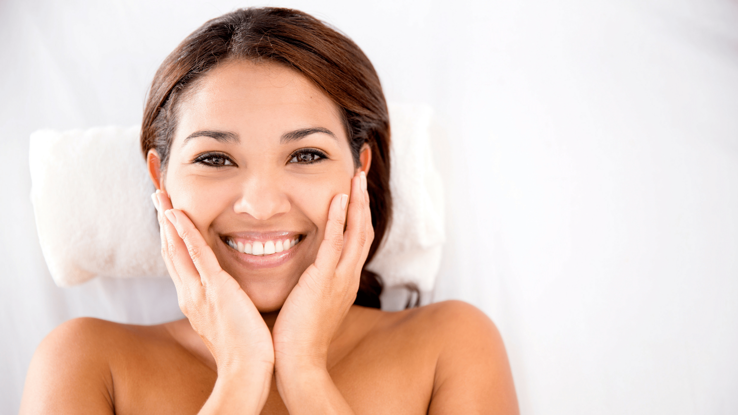 Benefits of Ice cubes on Face Skin in Summer