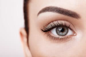 Remedies to Grow Eyelashes Thicker and Longer Naturally