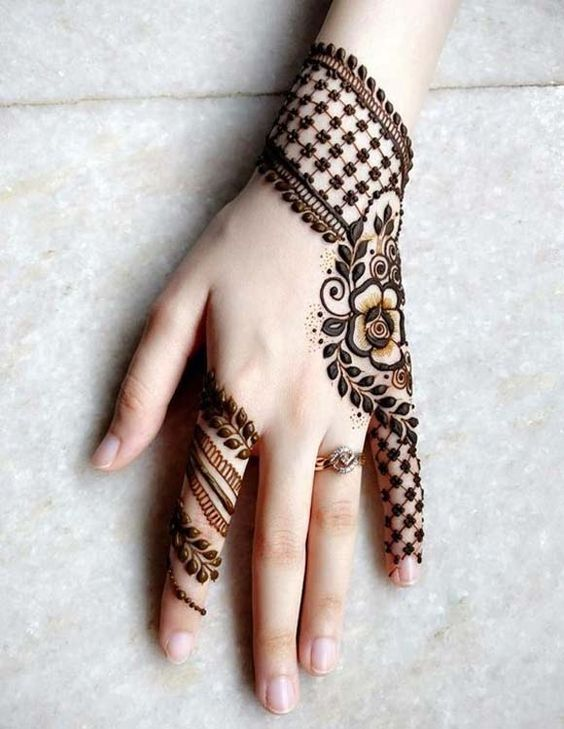 Full Hand Gulf-Arabic Mehndi Design With Leaf Checks and flowers