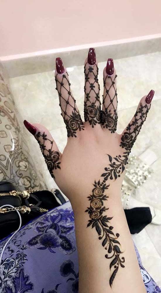 Leaf and Tattoo Style Mehndi Design