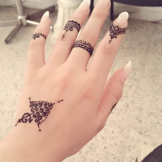 Party Style Arabic Henna Design